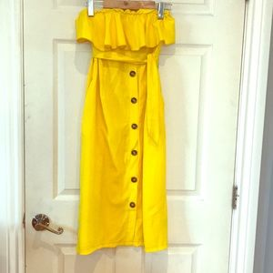 Dresses & Skirts - Strapless Yellow Ruffle button down front